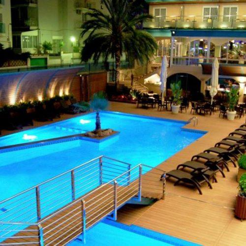 hotel-kaktus-playa-calella-violettacars-2.jpg